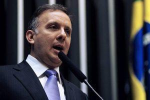 Depois de confirmado líder do governo na Câmara Aguinaldo Ribeiro é alvo da mídia nacional – REVISTA VEJA BATE