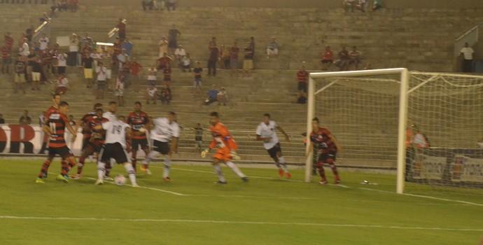 Campinense mostra que ainda está vivo e vence o Botafogo-PB de virada no Almeidão