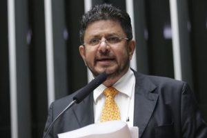 Vice-presidente da Câmara rompe com o governo após nomeação de Osmar Serraglio