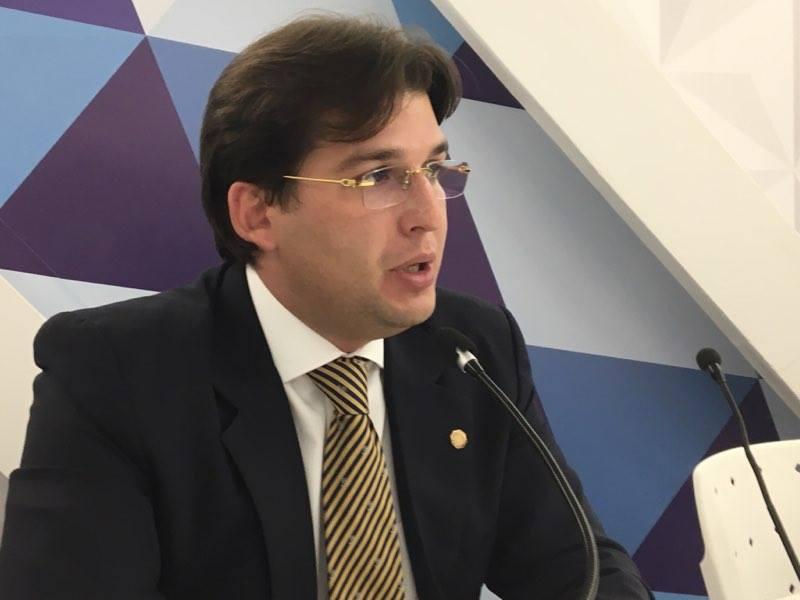 Milanez Neto defende união de Prefeitura e Estado para conter erosão da barreira do Cabo Branco