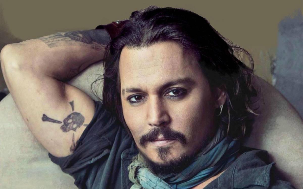 Imprensa norte-americana acusa Johnny Depp de vender casa da irmã para sanar dívidas