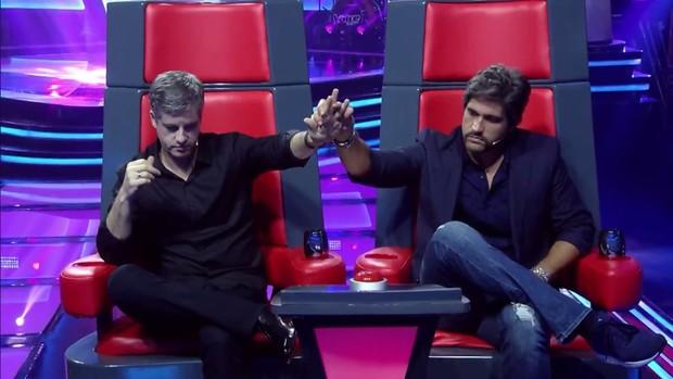 Sertanejo Victor sai do 'The Voice Kids' após denúncia de agressão a mulher