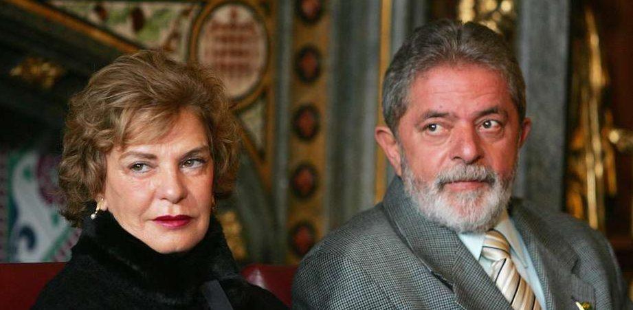 lulamarisafoto2006gettyimages e1486178248964 - CASAMENTO DE 42 ANOS: Dona Marisa pensou em se separar de Lula ao desconfiar de traição