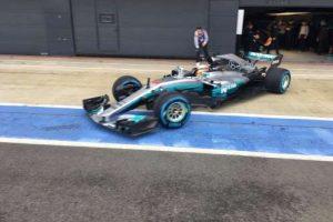 Mercedes aposta em carro básico para a temporada 2017