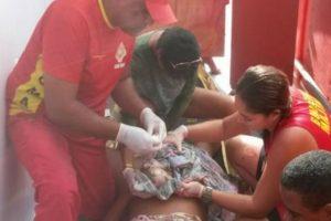 Mulher dá à luz em pleno circuito de carnaval em Salvador