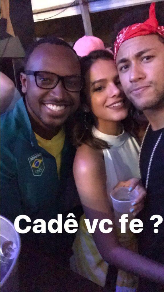 Neymar comemora classificação do Brasil na balada com Marquezine e Thiaguinho