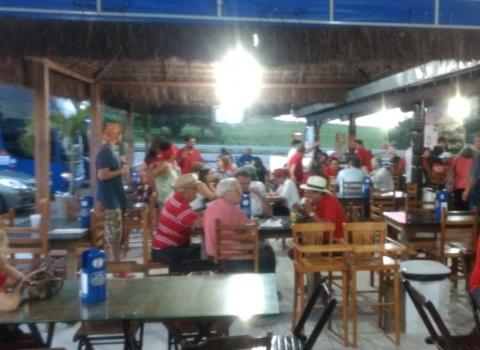 Lula na PB: vermelho predomina nas caravanas que saíram da Capital rumo ao evento