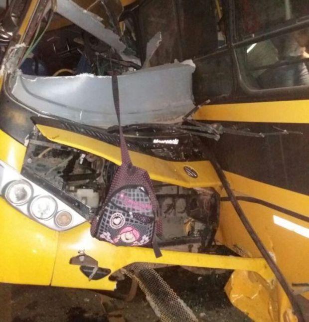VEJA VÍDEO – Colisão entre ônibus escolares deixa seis mortos e mais de 40 feridos em Alagoas