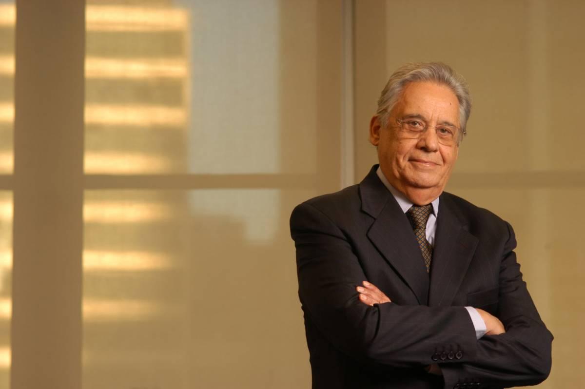FHC comenta denúncias com Michel Temer e define situação do país como gravíssima