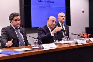 Efraim Filho defende aposentado rural na reforma da Previdência