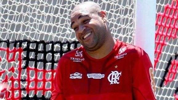 Flamengo é condenado a pagar multa de R$920 mil para Adriano Imperador