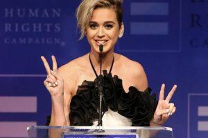 kate 300x200 - Katy Perry diz ter orado para que Jesus afastasse seu lado gay