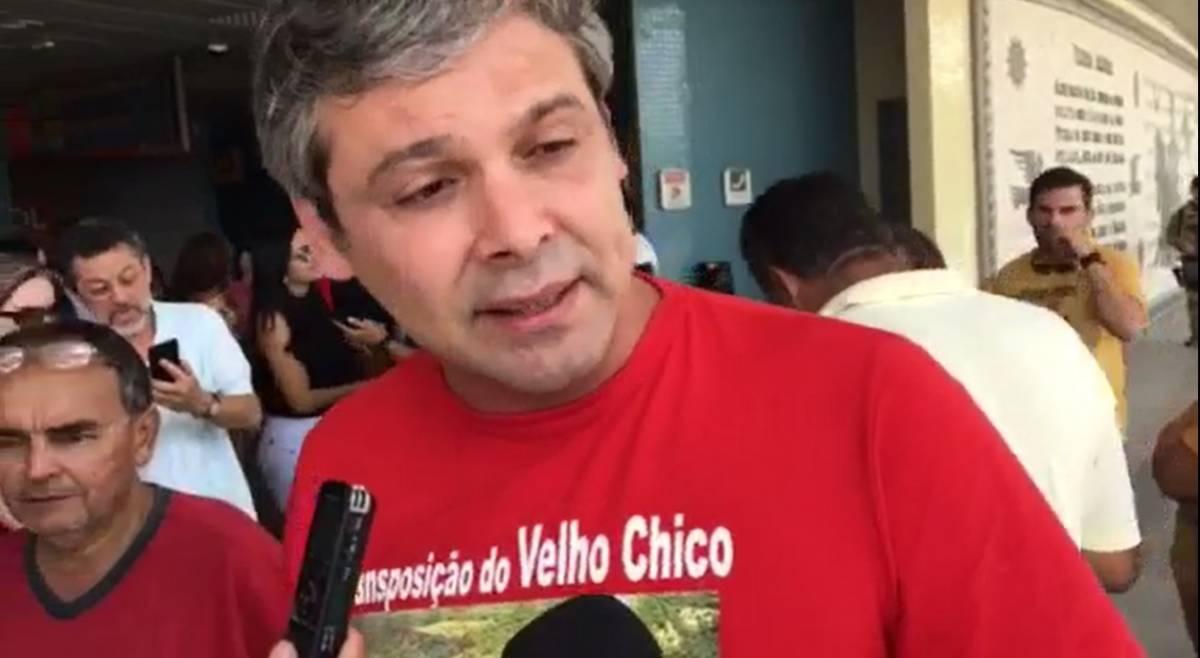 Só um presidente com visão como Lula para tirar uma obra dessa do papel, afirma Lindbergh