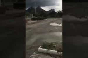 VEJA VÍDEO – Morador flagra raio impressionante caindo em rocha no Ceará