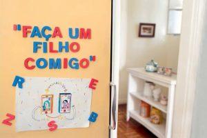 SEM NAMORO, SEM CASAMENTO: Solteiros interessados em ter filhos formam comunidades para procriar entre si