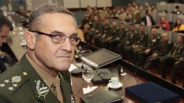 General assessor especial de Bolsonaro é internado em Brasília