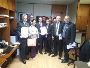 Vídeo: parlamentares protocolam carta contra Reforma da Previdência