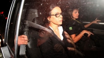Adriana Ancelmo barra entrada de PF em sua casa, mesmo estando em prisão domiciliar
