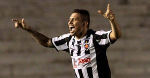 botafogo pb x botafogo rafael oliveira comemora gol ademar futurapress1 300x157 - Atacante do Botafogo-PB celebra 15 gols na temporada e quer mais contra o Treze