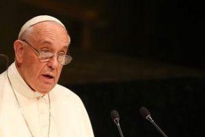Vaticano pretende processar Crefisa por uso indevido de imagem do Papa Francisco