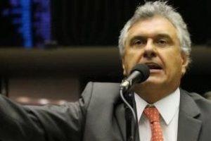 RONALDO CAIADO ROMPE COM TEMER: Em artigo ele defende eleições gerais imediatas para pacificar o Brasil