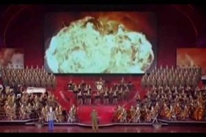 VEJA VÍDEO: Coreia do Norte realiza apresentação musical com vídeo-montagem de mísseis explodindo os EUA
