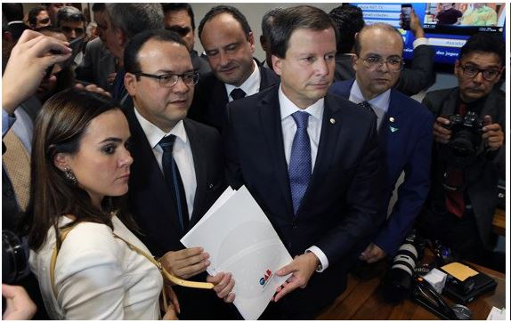 OMISSÃO E QUEBRA DE DECORO: Veja justificativas de pedido de impeachment de Temer protocolado pela OAB