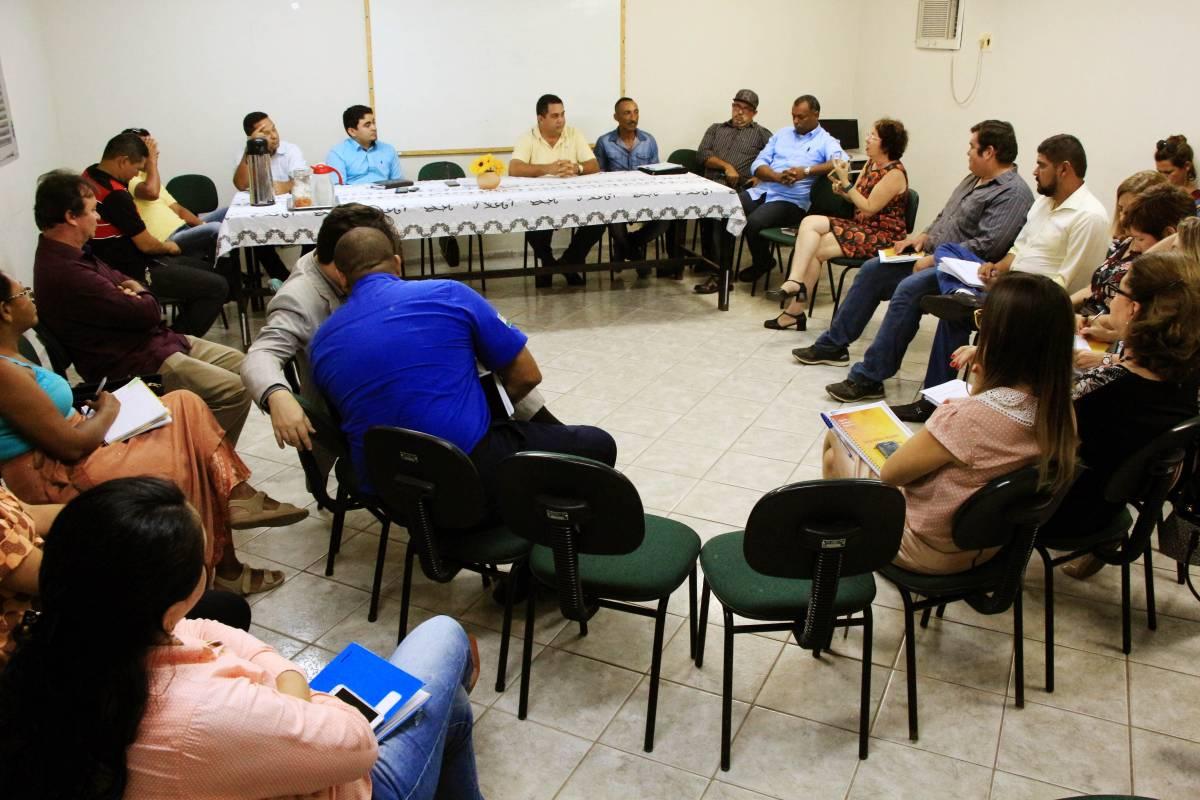 Prefeitura do Conde realiza reunião com parlamentares da base governista