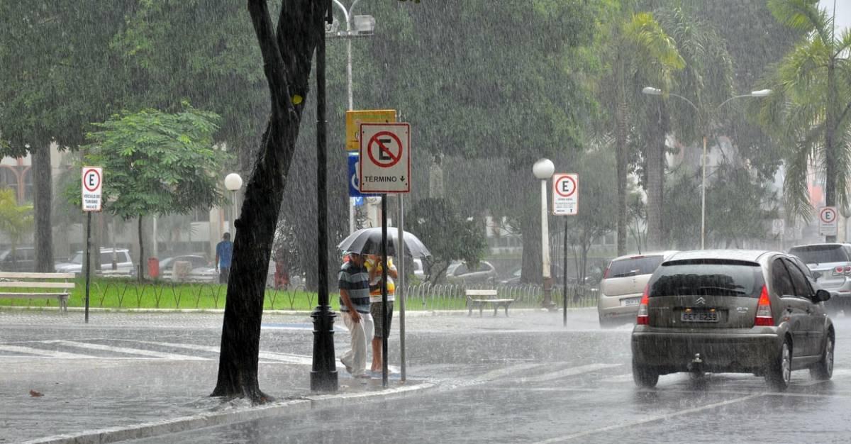 AESA prevê sexta-feira de chuvas para João Pessoa