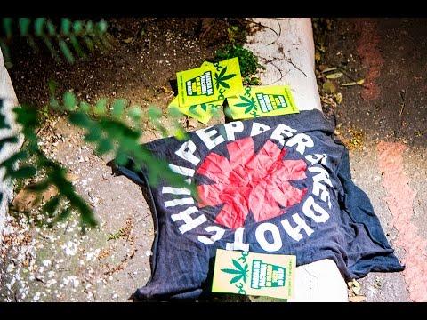 DISSERAM QUE ERA BANDEIRA: Polícia Militar prende adolescente por posse de camiseta de banda