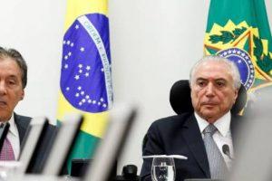 SOCORRO:  Raimundo Lira e mais 15 senadores do PMDB se reúnem com Michel Temer