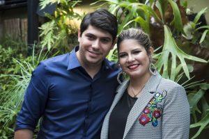 yugnir angelo e marilia mendonca 1 300x200 - Marília Mendonça recebe homenagem do noivo paraibano