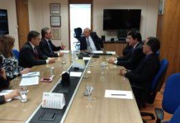 Prefeito Luciano Cartaxo é recebido em reunião de trabalho pelo ministro Henrique Meirelles