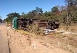 Acidente envolvendo ônibus deixa mortos e feridos na BR-135