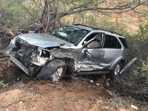 carro pedro mota 300x225 - Netinho Lins sofre acidente com empresário de Mano Valter e passa bem em hospital de Patos
