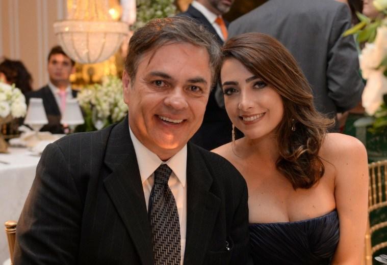 Após cinco meses casado Senador Cássio vai ser pai pela quarta vez