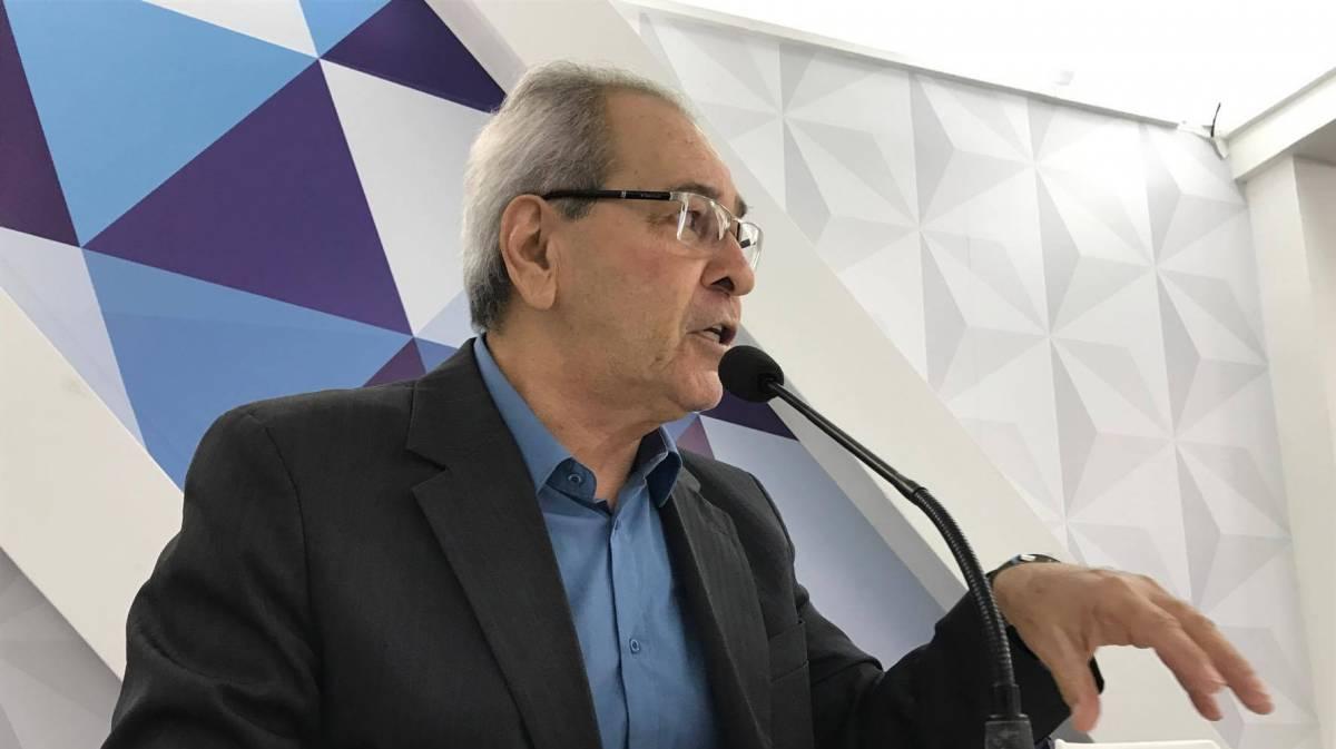DO LITORAL AO SERTÃO: Jornalista lança livro que registra trajetória da televisão paraibana
