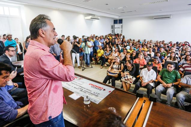Luciano Cartaxo libera R$ 2.059 milhões em microcrédito nesta quinta-feira (8)