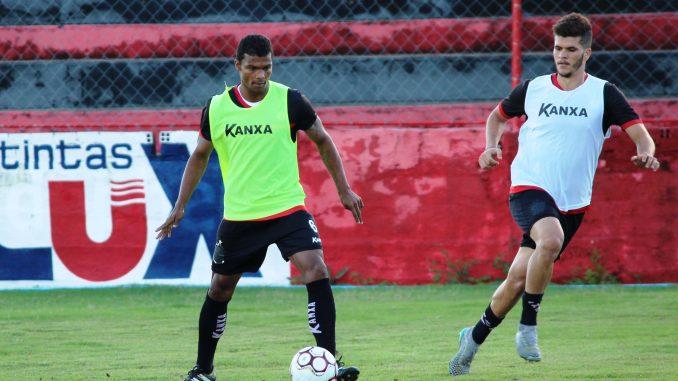Novo zagueiro do Campinense quer usar experiência para motivar o grupo de jogadores