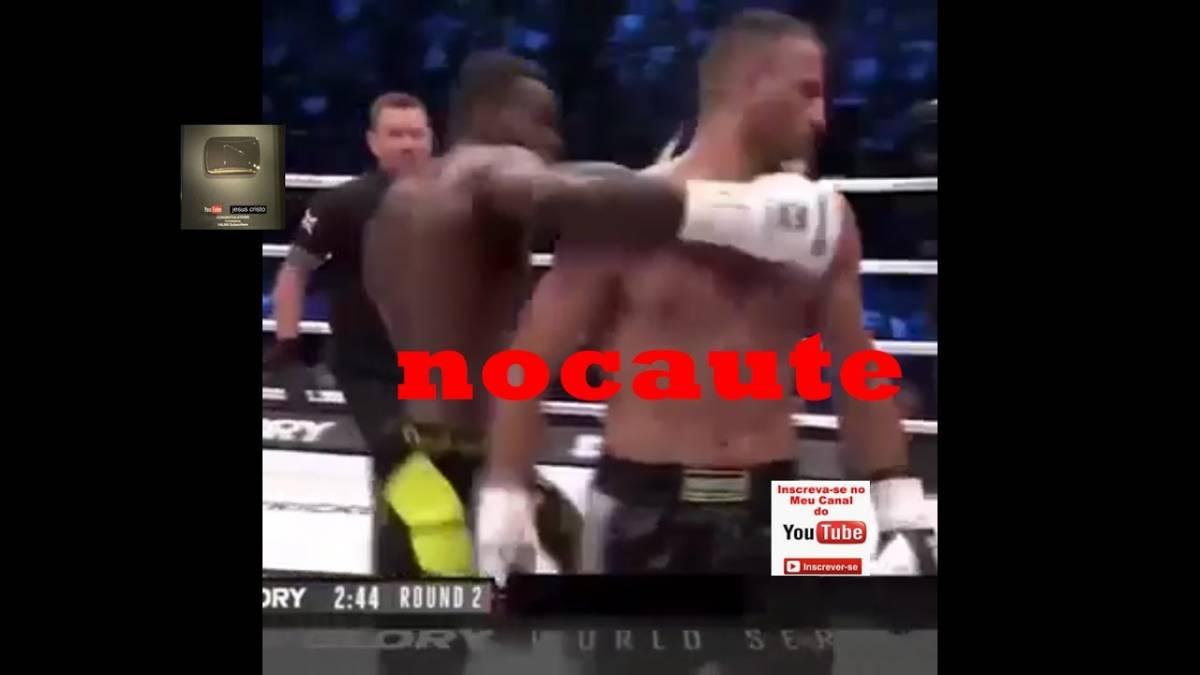Lutador nocauteia, mas é atacado por fãs em cima do ringue