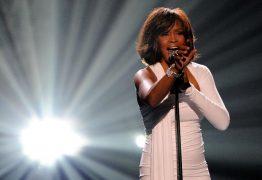 De caso gay a drogas na infância: os segredos da vida de Whitney Houston
