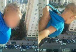 Homem é preso após postar foto balançando bebê em janela de prédio