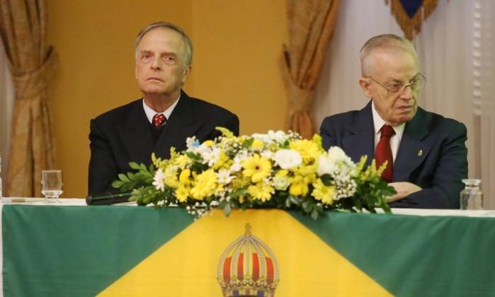 xINFOCHPDPICT000068304854.jpg.pagespeed.ic .7HHuSl66zv - VIDA LONGA AO REI? Encontro monárquico brasileiro pede a volta da monarquia no país