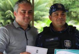 Prefeito de Alhandra entrega portarias de nomeações de 36 guardas municipais