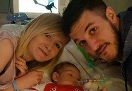 Morre bebê britânico que sofria de doença rara