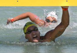 Ana Marcela Cunha é tricampeã mundial na maratona aquática de 25km