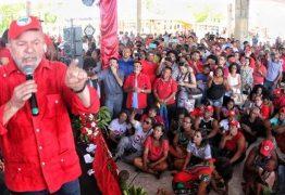 Trabalhadores e líderes nacionais prestigiam ato pelas diretas-já