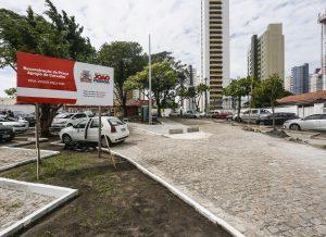 praça 300x218 - Prefeito Luciano Cartaxo anuncia entrega de praça no Miramar