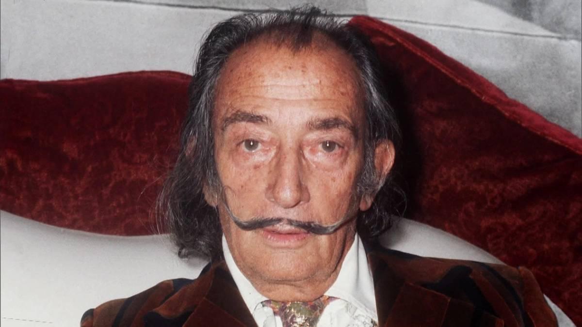 salvador dali - Salvador Dalí: exumação revela bigode intacto do pintor surrealista
