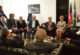 Lira faz reunião com ministro da Justiça, secretário de Segurança e senadores